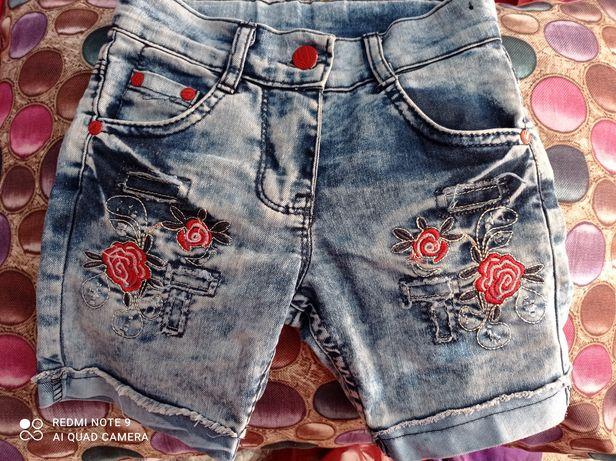Шорты джинсовые на девочку 6 лет.