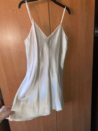 Ночнушка атласная Victoria's Secret S M пижама пеньюар Кремовая
