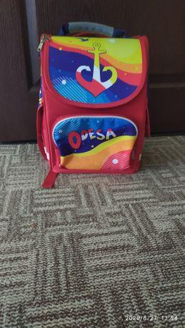 Продам новый портфель для детей 1-4 класса с ортопедической спинкой