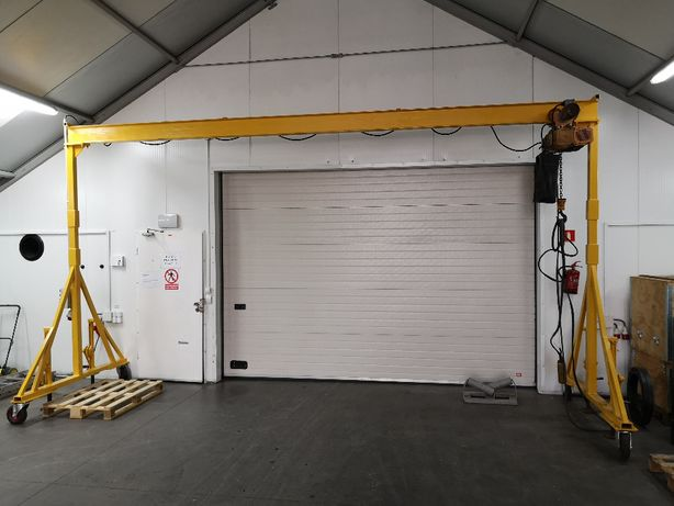 Suwnica mobilna 6x3 m, udżwig 1 tona