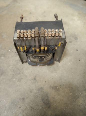 Transformador de potência com 800 VA