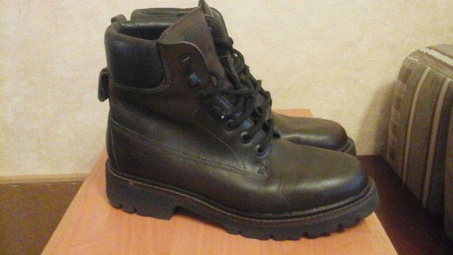 Продам французкие ботинки AIGLE( по типу Timberland)