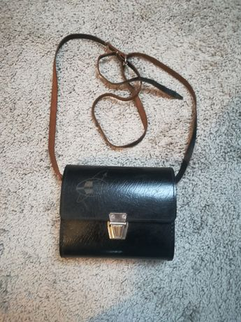 Mańka PRL czarna torebka skórzana torba etui na lampe