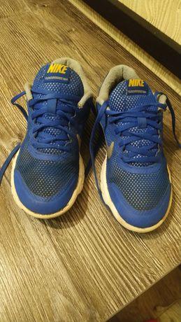 Кроссовки Nike для мальчика, 36 размер