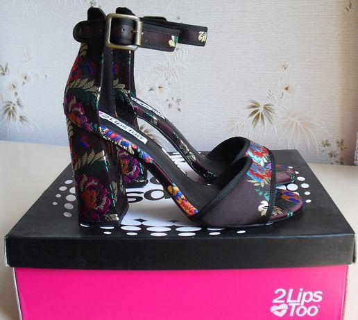 Женские босоножки брендовые туфли