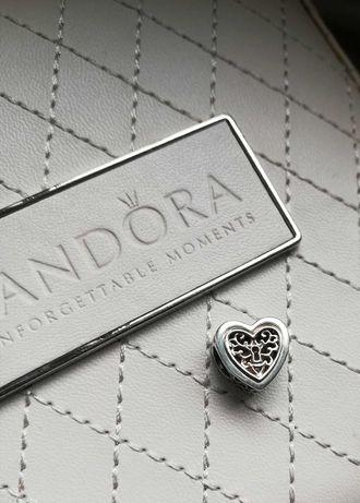 Charms Pandora Ażurowy zamek tt