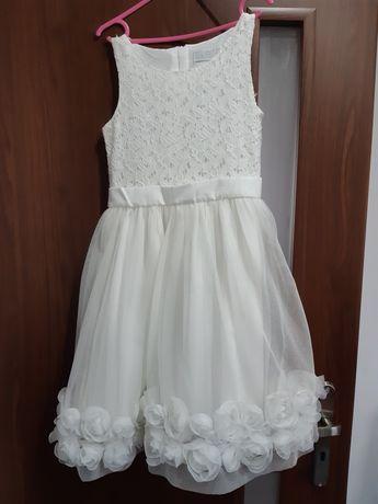 Śliczna sukienka dla dziewczynki 134