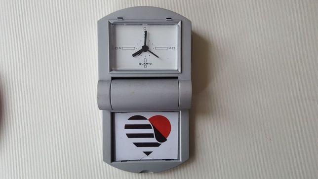 Budzik zegarek podróżny na baterie paluszki