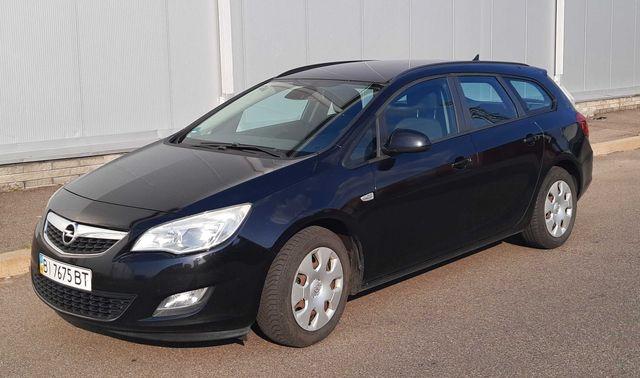 Продам Opel Astra J (2011, 1.3 cdti)