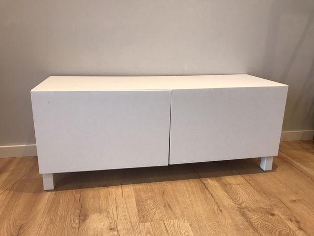 Movel de tv branco ikea, gama besta, com pés incluídos