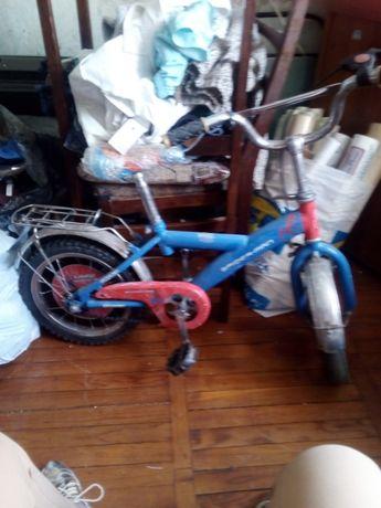 Продам детский велосипед 300 грн