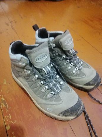Ботинки трекинговые размер 39