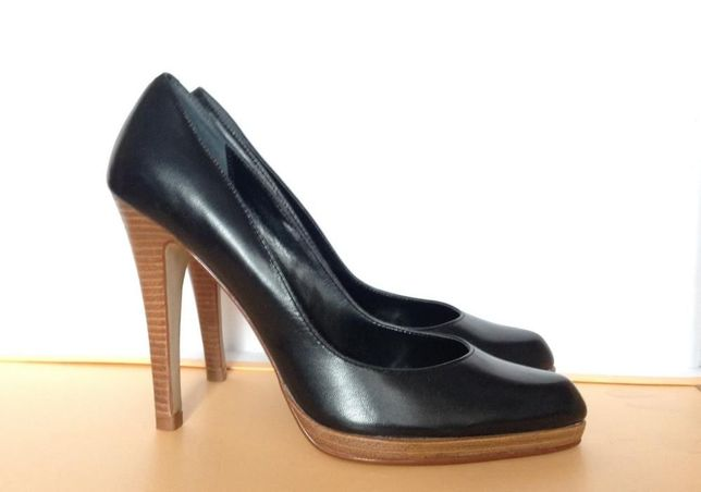 Кожаные туфли классической формы размер 38