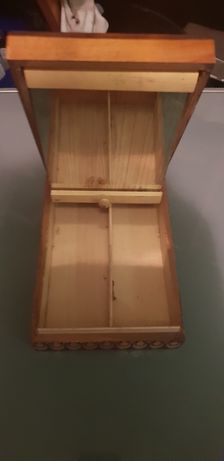Szkatułka drewniana szkatułka na biżuterię przedmiot zabytek retro PRL