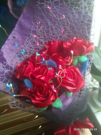 Цветы из атласной ленты