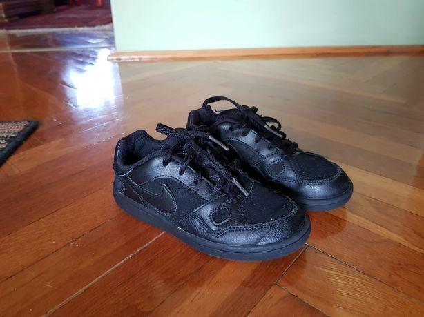 Buty Nike dla dzieci.  Rozmiar 29,5. Stan bdb.