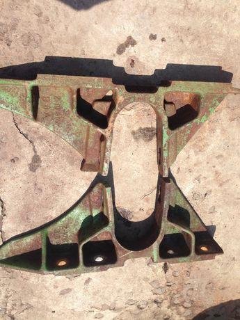 Кріплення наклоної камери комбайна john deere