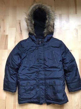 Стильная, качественная, зимняя курточка F&F 6-7 лет