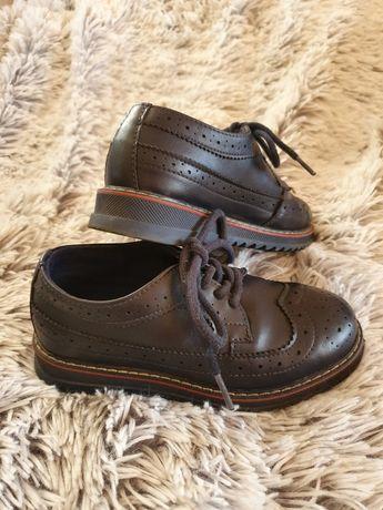 Классические ,школьные туфли Waikiki размер 30.