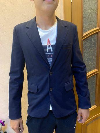 Пиджак для мальчика подростка