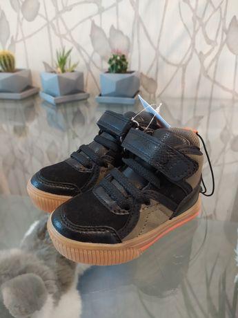 Новые детские ботинки, кросовки Reserved