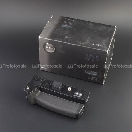 Бустер Olympus HLD-7 для omd e-m1