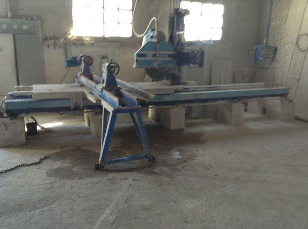 Máquina de corte de pedra com torno, automática