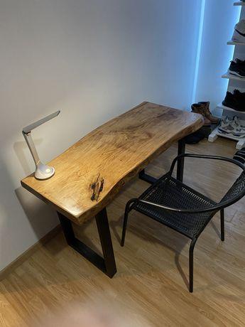 Biurko stolik z jednego kawalka dębu styl industrialny