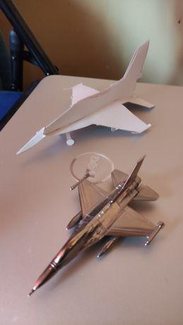 Samolot metalowy F16 pamiątki lotnicze