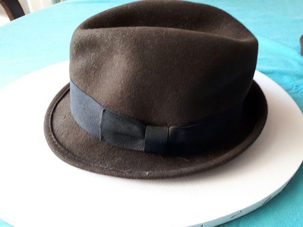 Dois chapéus castanhos H&M
