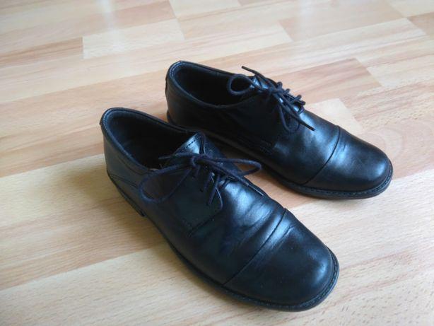 Buty pantofle czarne ze skóry komunijne roz. 33