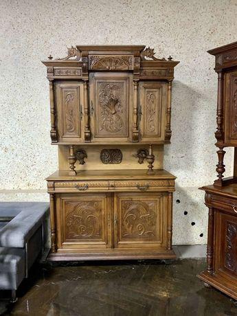 Старинный антикварный шкаф сервант деревянный