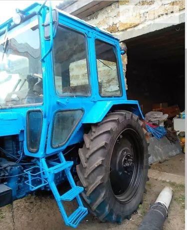 Продам трактор МТЗ 80 + причіп