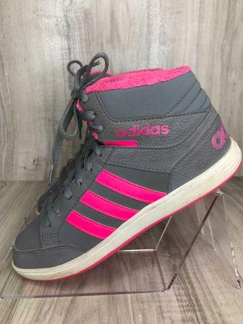 Кроссовки adidas на утеплителе