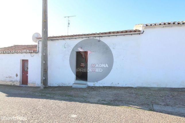 Casinha na Típica aldeia alentejana de Pias -Serpa