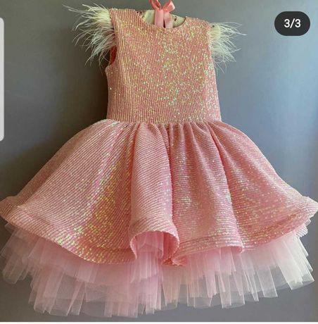 Нарядне плаття на дівчинку 110 ростом