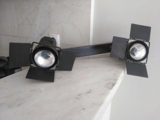 Candeeiro de Teto - 3 projectores reguláveis