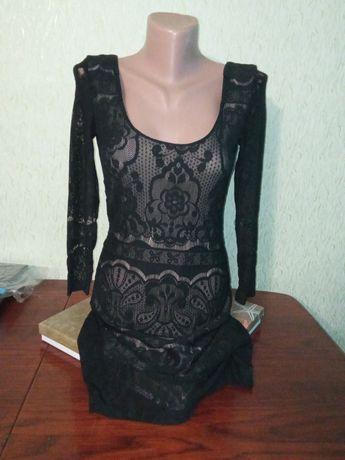 Модное платье 300 грн