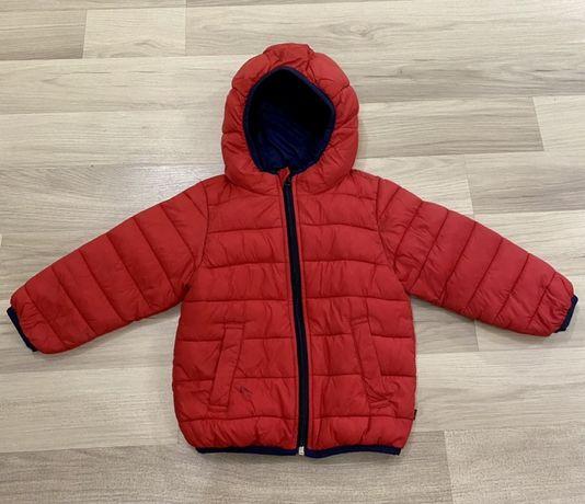 Продам детскую куртку Бенетон