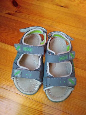 Sandałki dla dziecka 31