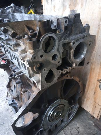Головка дигателя головка Двигуна Opel VIVARO Опель Віваро 2.0 2,0R