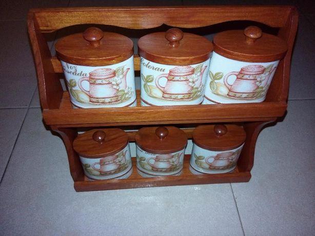 Mini estante de frascos de especiarias em porcelana