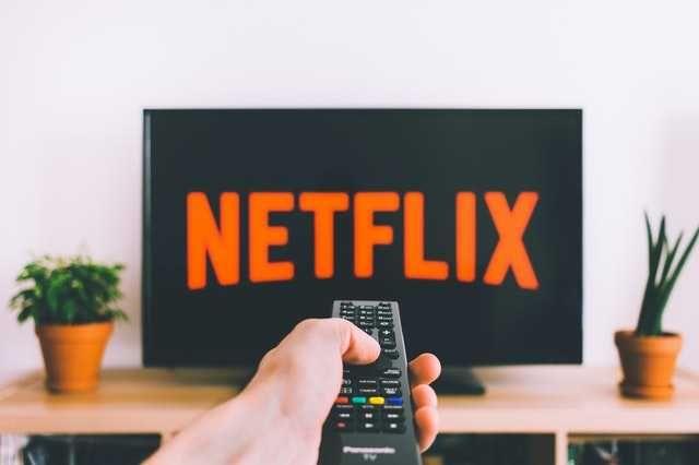 NETFLIX • 4K UHD • działa na Smart TV • Filmy i seriale 24/7 •