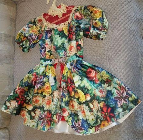 Шикарное, дизайнерское платье в украинском стиле