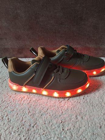 Кроссовки светящиеся 21 см кеды