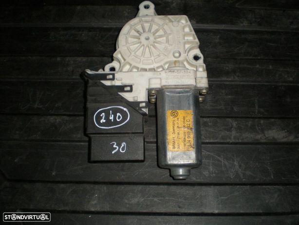 MOTOR ELEVADOR VIDRO VW BORA 1J4959812C VW / BORA / 1999 / TD /