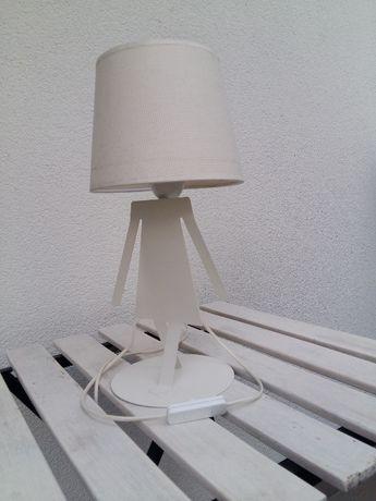 Sigma Lampka biurkowa stojąca biała Dziewczynka 1x60 W E27