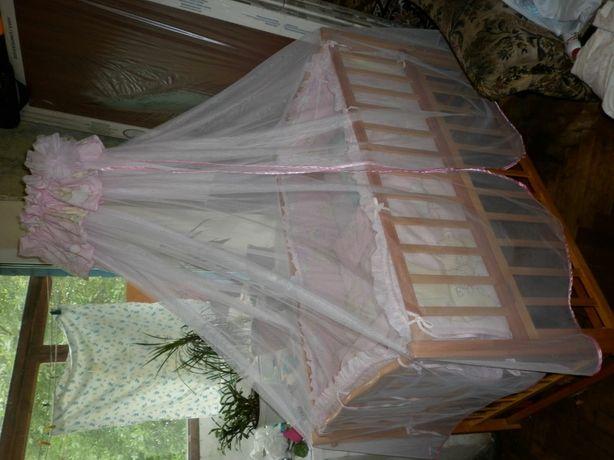 Детская кроватка с защитой и балдахин