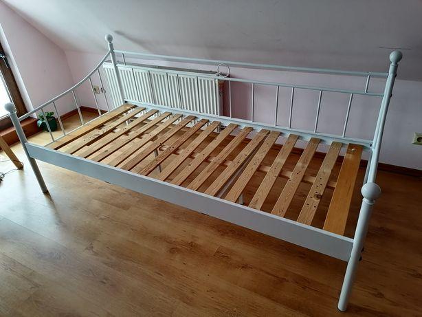 łóżko metalowe białe