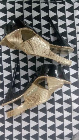 Szpilki platforma złote imprezowe sandały na obcasie koturny